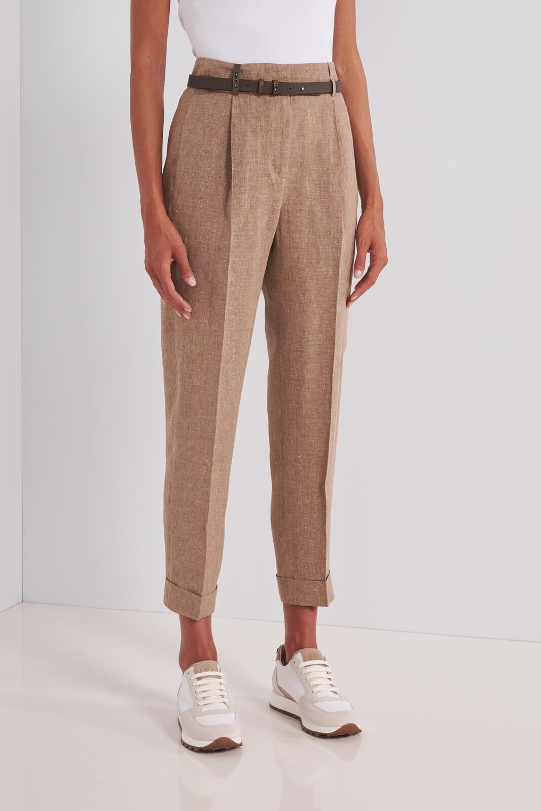 Pure Linen Trousers With Micro Lurex Details. High Waist With Leather Strap Included. Two Side Pockets And Two Rear Welt Pockets. Soft fit. - Peserico