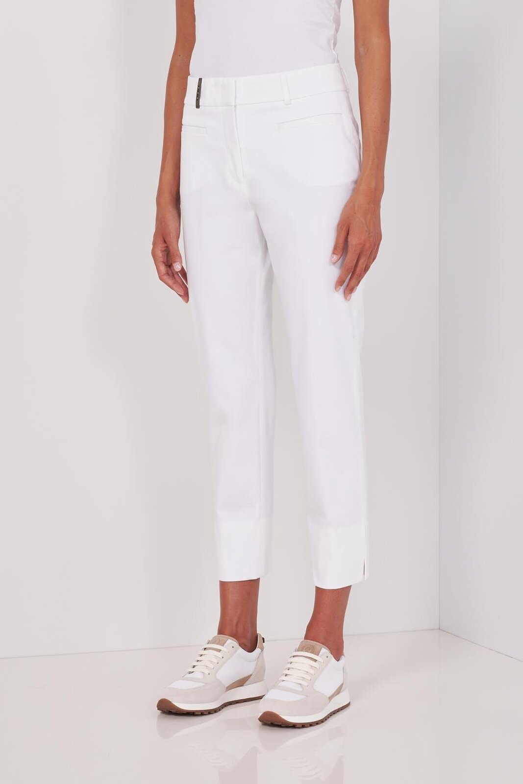 High Waisted Slightly Stretch Pure Cotton Pants With Ankle Cuffs With Metallic Detail. Hidden Zip Closure, Slim Fit. - Peserico