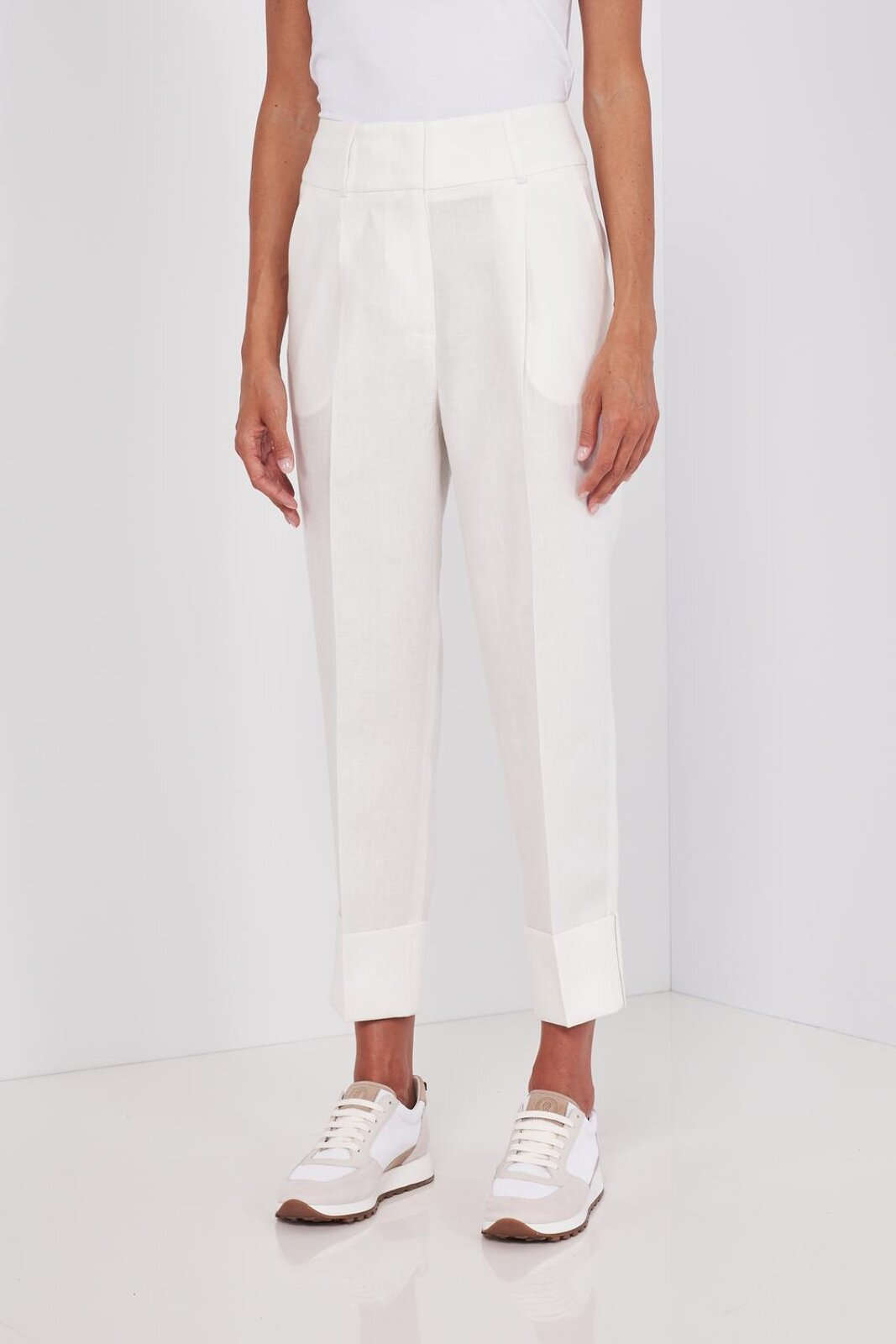 High Waisted Pure Linen Trousers With Ankle Cuffs With Metallic Detail. Hidden Zip Closure, Soft Fit. - Peserico