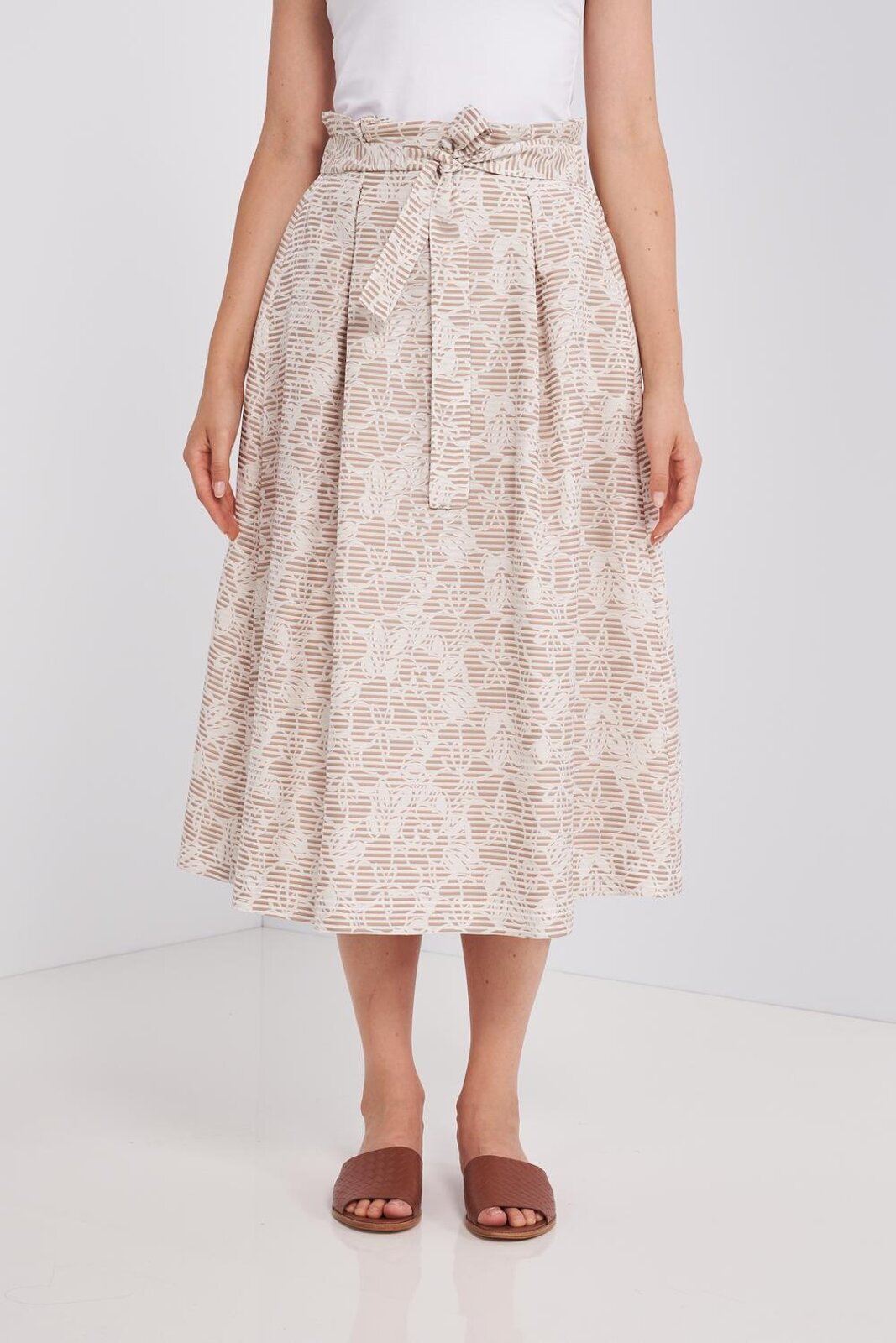 Midi skirt in soft cotton and silk with floral pattern. Working With Transparent Stripes, Elastic Waist With Fabric Belt With Bow. Side pockets, wide fit. - Peserico