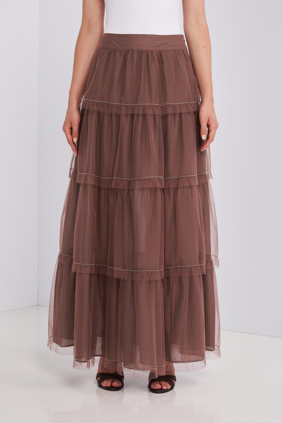 Long skirt in layers of light tulle with flounces with small light point details in metal on the edges. Two side pockets, zip closure on the back. Wide fit. - Peserico