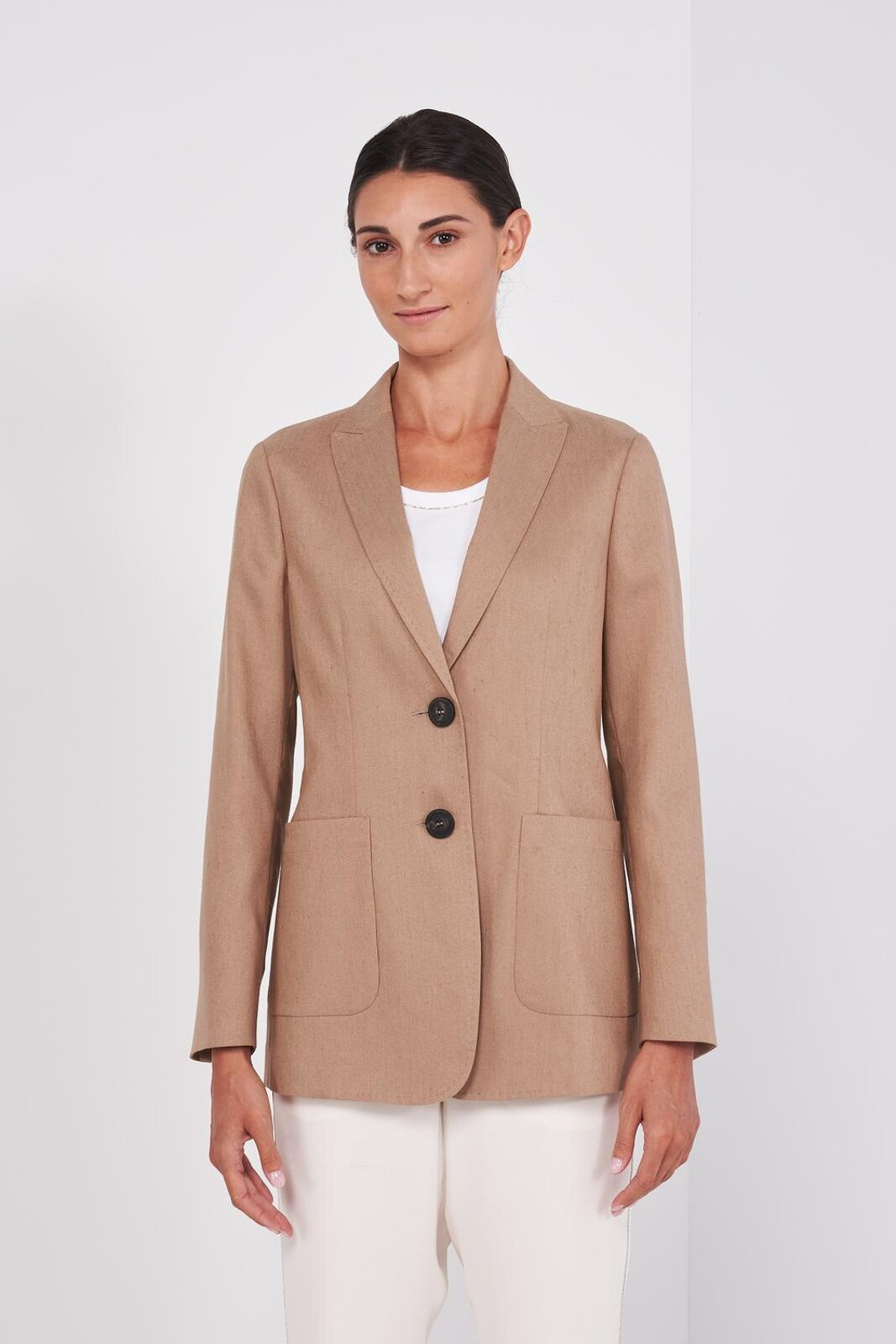 Long Sleeve Structured Blazer Jacket In Linen Blend Fabric. Two Front Buttons, Side Pockets, Leather Detail On The Sleeve. Regular fit. - Peserico