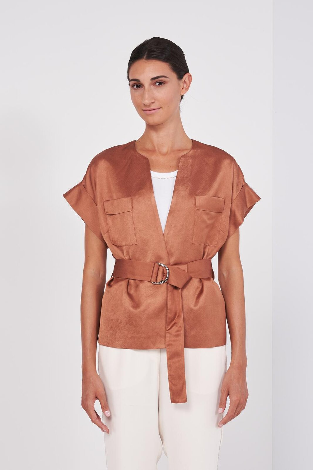 Kimono Jacket In Soft Viscose Satin And Linen With Short Kimono Turned Sleeves. Hidden Button Closure, Two Chest Pockets, Fabric Belt With Adjustable Metal Buckle At The Waist. Regular fit. - Peserico