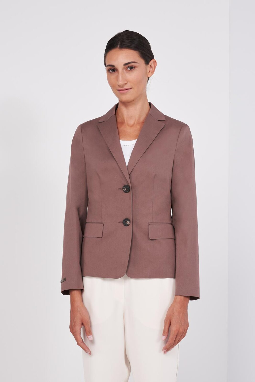 Long Sleeve Cotton Single Breasted Blazer Jacket. Two Front Buttons, Side Pockets, Tight Fit. - Peserico