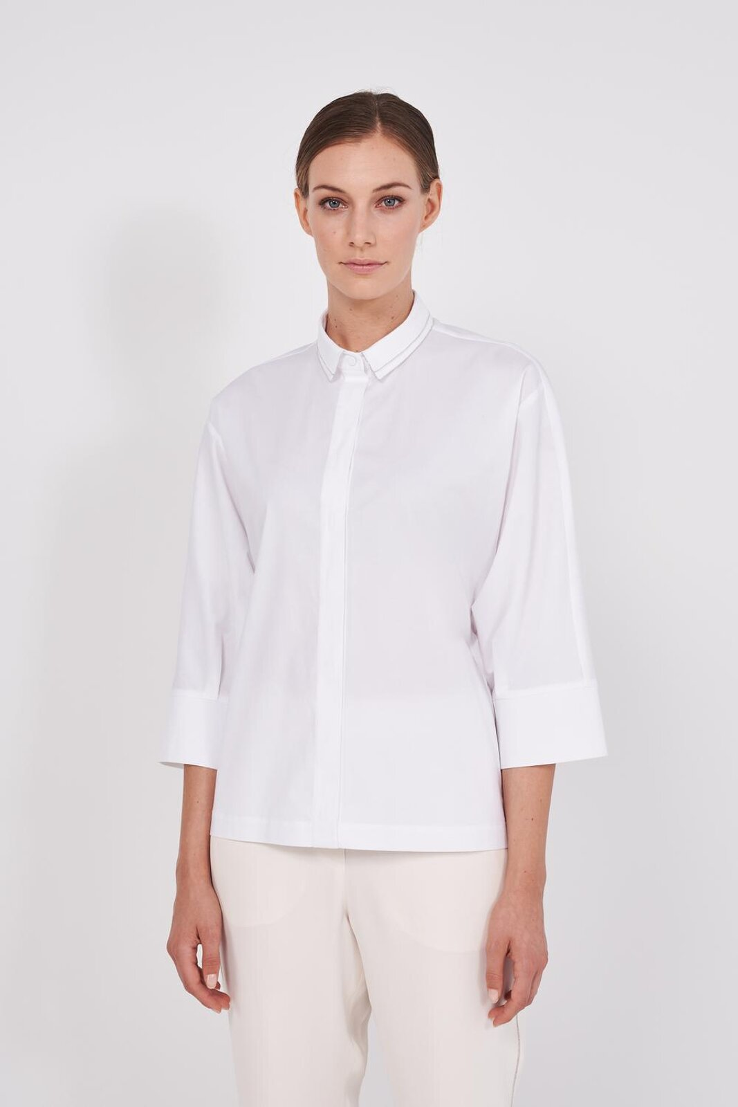 Slightly Stretch Pure Cotton Shirt With 3/4 Sleeve. Double collar edged with metal lights, wide sleeves, front closure with hidden buttons. Wide fit. - Peserico