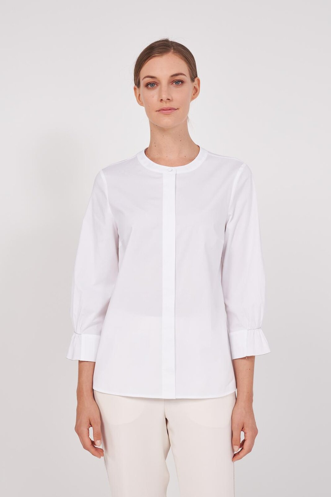 Pure Cotton Slightly Stretch Long Sleeve Shirt. Round neckline, slightly puffed sleeves with metal details on the cuffs, front closure with hidden buttons. Regular fit. - Peserico
