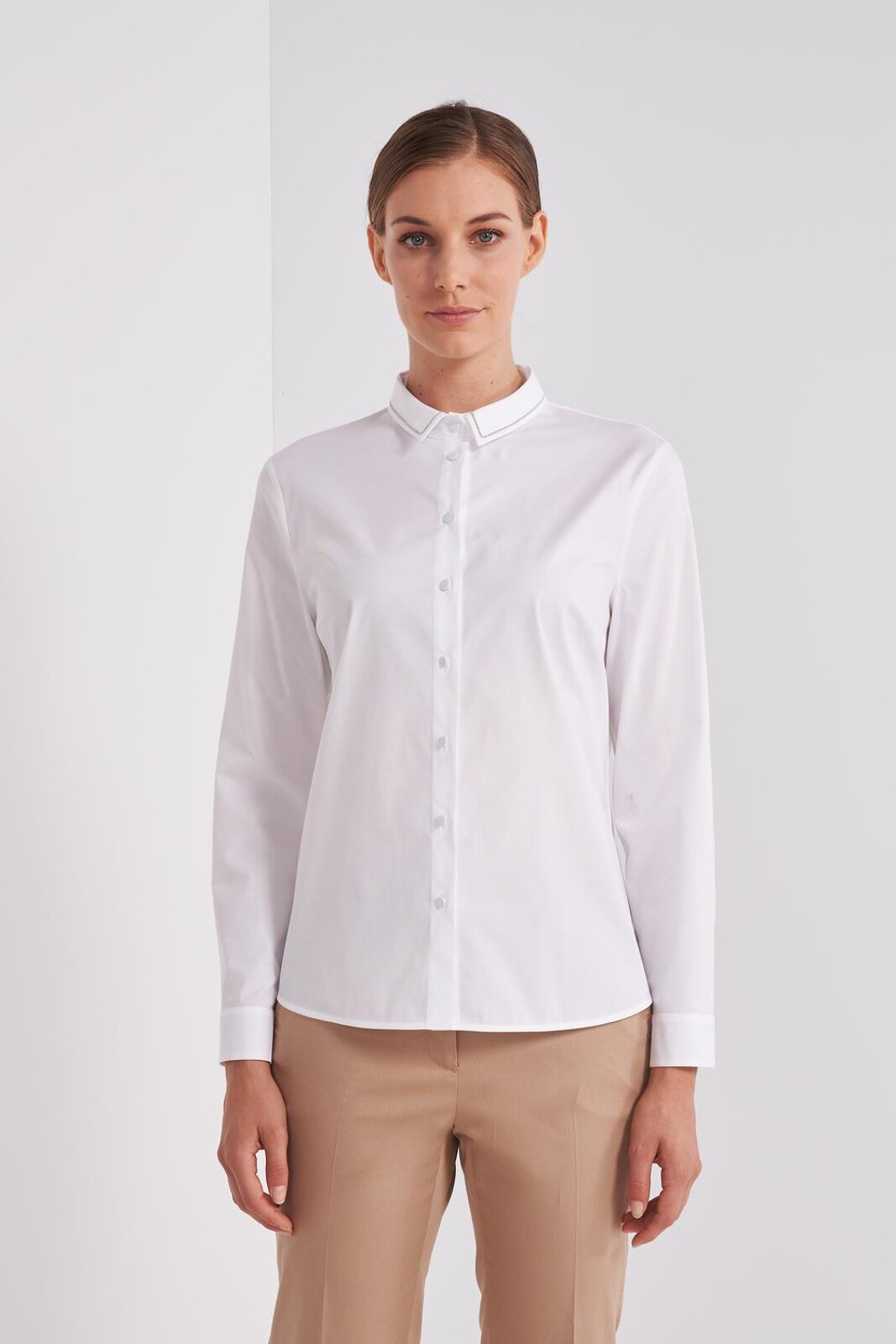 Long Sleeve Shirt In Pure Cotton Slightly Stretch. Point light detail on the collar, closure with buttons. Adherent fit. - Peserico