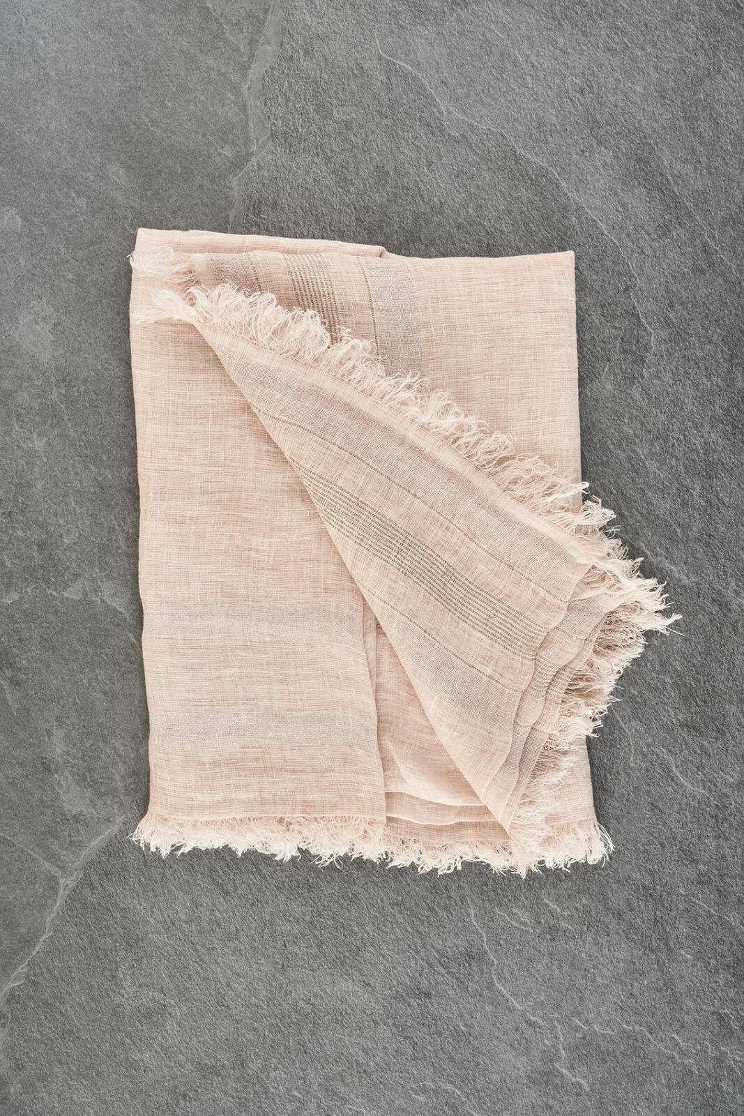 Lightweight Linen Scarf And Metallic Texture With Fringes On The Bottom. Size 140 X 140 Cm. - Peserico