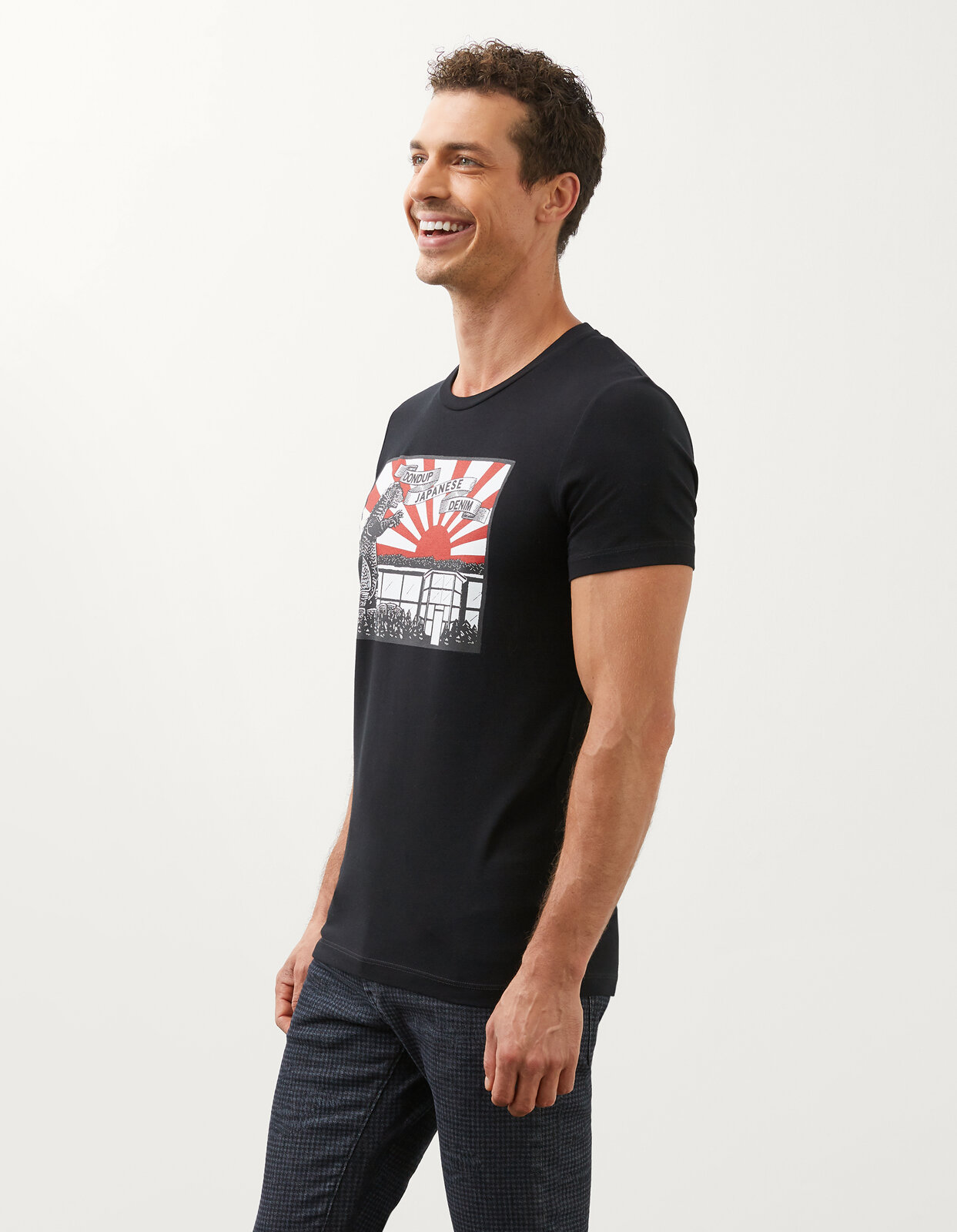 T-Shirt Slim Con Stampa Japanise In Jersey - Dondup